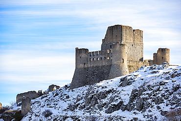 Rocca Calascio Castle and Santa Maria della Pieta?Church, Gran Sasso e Monti della Laga National Park, Abruzzo, Italy, Europe
