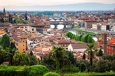 Florence panorama from Piazzale Michelangelo with Ponte Vecchio, Florence, UNESCO World Heritage Site, Tuscany, Italy, Europe