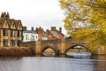 River Great Ouse at St. Leger Chapel Bridge, St. Ives, Cambridgeshire, England, United Kingdom, Europe