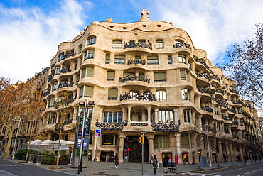 Casa Mila (La Pedrera) (Open Quarry) by Antoni Gaudi, UNESCO World Heritage Site, Paseo de Gracia Avenue, Barcelona, Catalonia, Spain, Europe