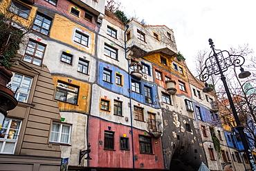Hundertwasserhaus, Expressionist landmark and public housing, designed by Friedenreich Hundertwasser, Vienna, Austria, Europe