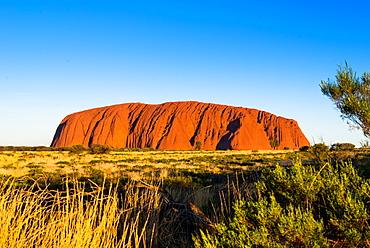 Uluru (Ayers Rock), Uluru-Kata Tjuta National Park, UNESCO World Heritage Site, Northern Territory, Australia, Pacific