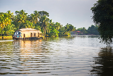Houseboat in the backwaters near Alleppey (Alappuzha), Kerala, India, Asia