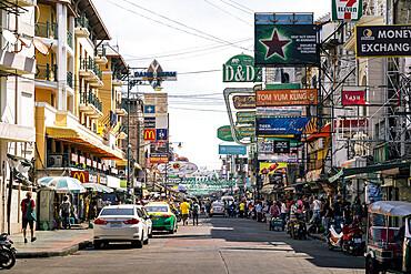 Busy Khaosan Road during day, Bangkok, Thailand, Southeast Asia, Asia