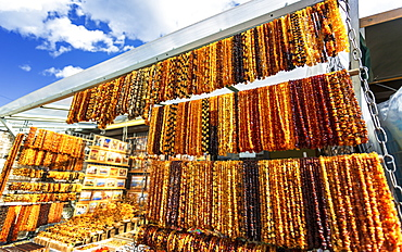 Traditional Latvian amber souvenirs, Old Town, UNESCO World Heritage Site, Riga, Latvia, Baltic States, Europe
