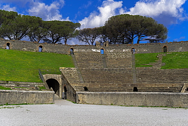Amphitheater interior view, ruins of the 20000 capacity Roman Anfiteatro di Pompeii, Pompeii, UNESCO World Heritage Site, Campania, Italy, Europe