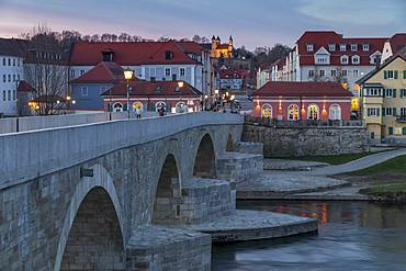 View from the Stone Bridge to the quarter Stadtamhof, Regensburg, UNESCO World Heritage Site, Bavaria, Germany, Europe