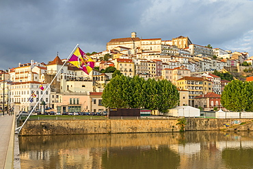 View from Mondego River to the old town with the university on top of the hill, Coimbra, Portugal, Europe
