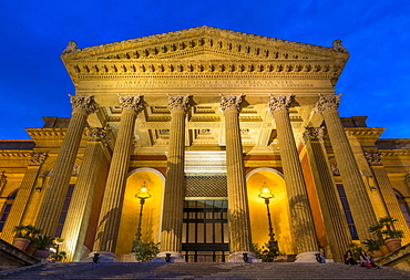 The Massimo Theatre (Teatro Massimo) during blue hour, Palermo, Sicily, Italy, Europe