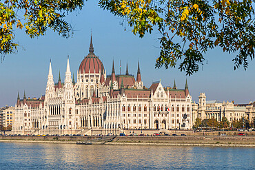 The Hungarian Parliament building on the River Danube during autumn, UNESCO World Heritage Site, Budapest, Hungary, Europe