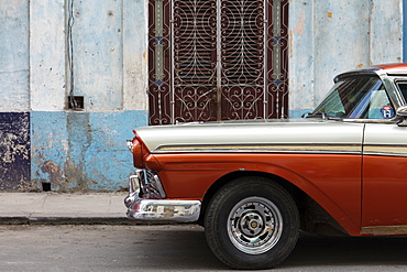 Front section of vintage American car parked on a street in Havana, Cuba, West Indies, Caribbean, Central America