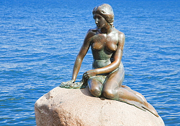 Statue of the Little Mermaid, Copenhagen, Denmark, Europe