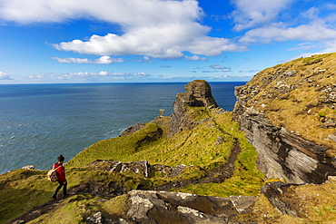 Cliff of Moher, Cliffs Coastal Walk, County Clare, Munster, Republic of Ireland, Europe