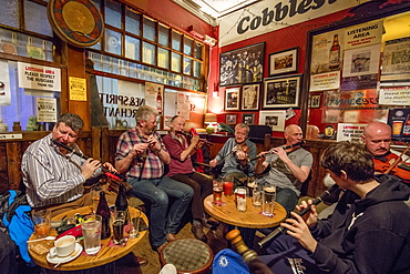 The Cobblestone Pub, during an Irish traditional music jam session, Dublin, Republic of Ireland, Europe