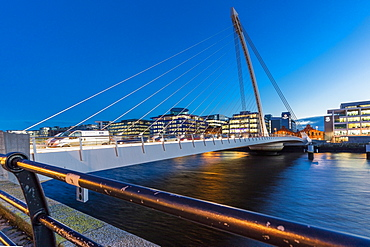 The Samuel Beckett Bridge, Dublin, Republic of Ireland, Europe