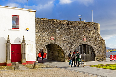 The Spanish Arch, Galway, County Galway, Connacht, Republic of Ireland, Europe