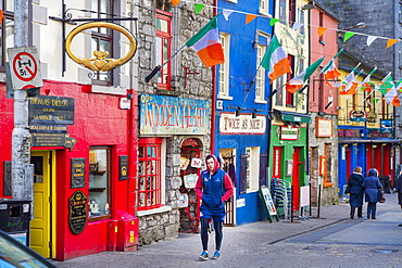 Quay Street, Galway, County Galway, Connacht, Republic of Ireland, Europe