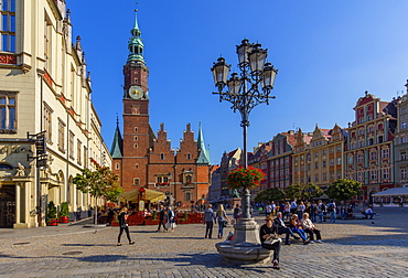 The Market Square and City Hall, Wroclaw, Poland, Europe