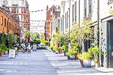 Pavilion Road shopping street in Knightsbridge, London, England, United Kingdom, Europe