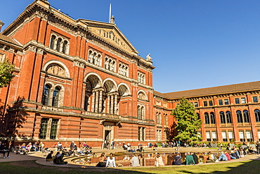 The V and A (Victoria and Albert) Museum, South Kensington, London, England, United Kingdom, Europe