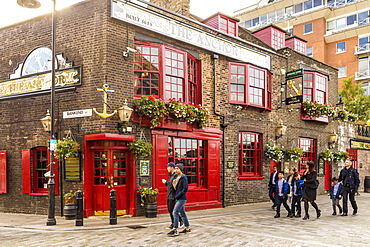 The Anchor pub, Bankside, London, England, United Kingdom, Europe