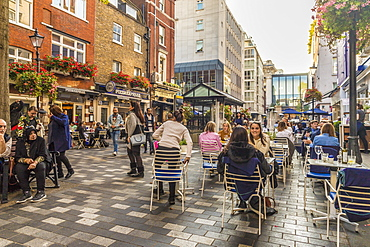St. Christopher's Place, a pedestrianised shopping street, in Marylebone, London, England, United Kingdom, Europe