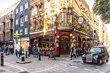 The Crown and Anchor pub in Covent Garden, London, England, United Kingdom, Europe
