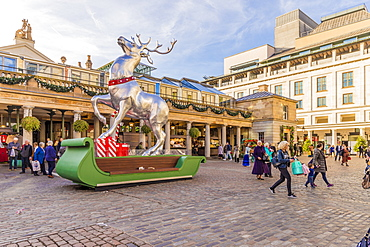 Christmas in Covent Garden Market, London, England, United Kingdom, Europe