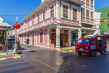 Beautiful Sino-Portuguese architecture on Soi Romanee (road) in Phuket old town, Phuket, Thailand, Southeast Asia, Asia