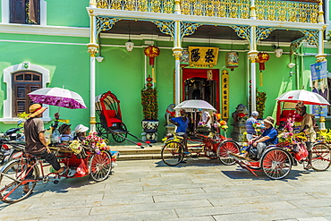 Tourists outside the Pinang Peranakan Mansion, George Town, Penang Island, Malaysia, Southeast Asia, Asia