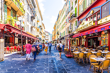 A street scene in Nice, Alpes Maritimes, Cote d'Azur, French Riviera, Provence, France, Mediterranean, Europe