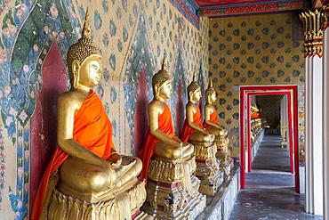 Gold Buddha statues in Wat Arun (The Temple of Dawn), Bangkok, Thailand, Southeast Asia, Asia