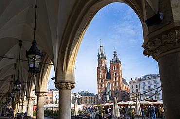 Saint Mary's Basilica in Market Square, UNESCO World Heritage Site, Krakow, Poland, Europe