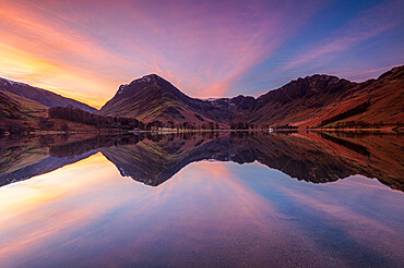 Buttermere with amazing sunrise, Lake District National Park, UNESCO World Heritage Site, Cumbria, England, United Kingdom, Europe