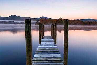 Wooden jetty at Derwentwater, Derwentwater, Lake District National Park, UNESCO World Heritage Site, Cumbria, England, United Kingdom, Europe
