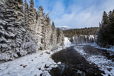 Bow River in winter, Maligne Canyon, Canadian Rocky Mountains, Alberta, Canada, North America