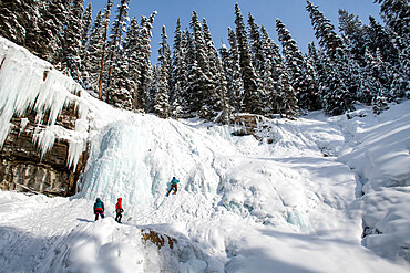 Ice climbers at Johnston Canyon, Bow Valley Parkway, Alberta, Canada, North America