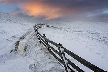 Rushup Edge in winter, Peak District, Derbyshire, England, United Kingdom, Europe