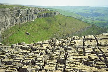 Limestone pavement, Malham Cove, Malham, Yorkshire Dales National Park, North Yorkshire, England, United Kingdom, Europe