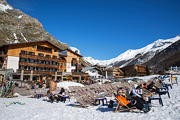 Hotels, bars and restaurants, Val D'isere