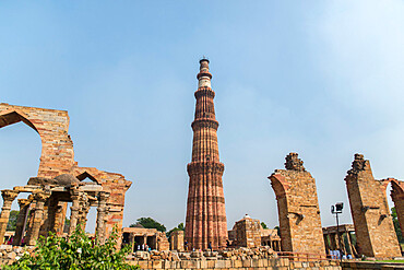 Qutub Minar, minaret and victory tower, UNESCO World Heritage Site, New Delhi, India, Asia
