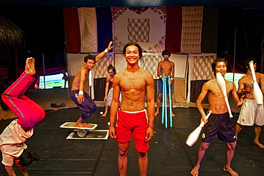 Phare - The Cambodian Circus Show, Phare Ponleu Selpak (PPS) is a non-profit Cambodian association, Angkor, Cambodia