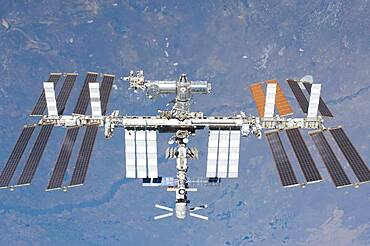 STS-134, International Space Station, 2011