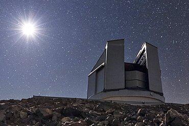Moon and Vista Telescope