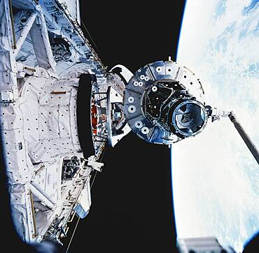STS-88, ISS Unity Module, 1998