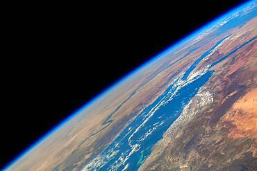 Earth's Horizon, Red Sea