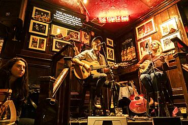 live music, in The Temple Bar, a traditional pub in the Temple Bar entertainment district, Dublin, Ireland.