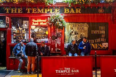 Facade, The Temple Bar, a traditional pub in the Temple Bar entertainment district, Dublin, Ireland.