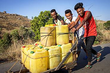 Water Distribution in Containers, Morondava, Madagascar