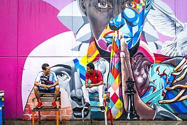 Friends, Street art, mural, graffiti, Comuna 13, Medellín, Colombia